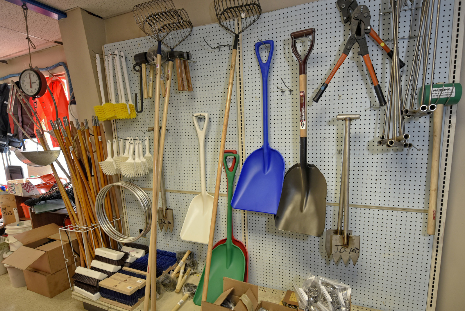 Fishing supplies and tools, Hercules Marine fishing supply company